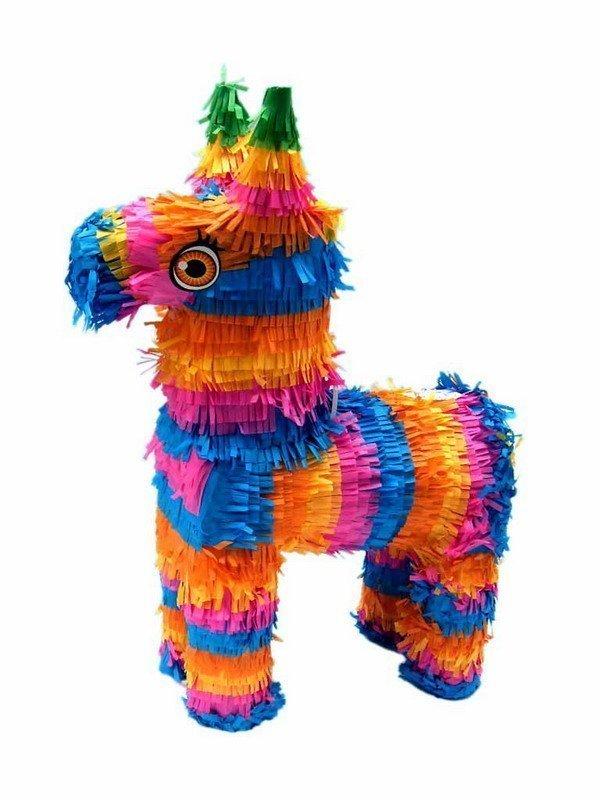 Лошадь из оберточной бумаги