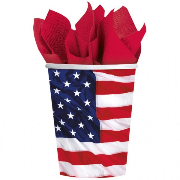 Стакан с американским флагом