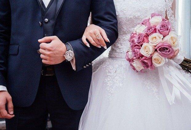 Как пригласить гостей на свадьбу: 6 современных идей - фото 3 | 4Party