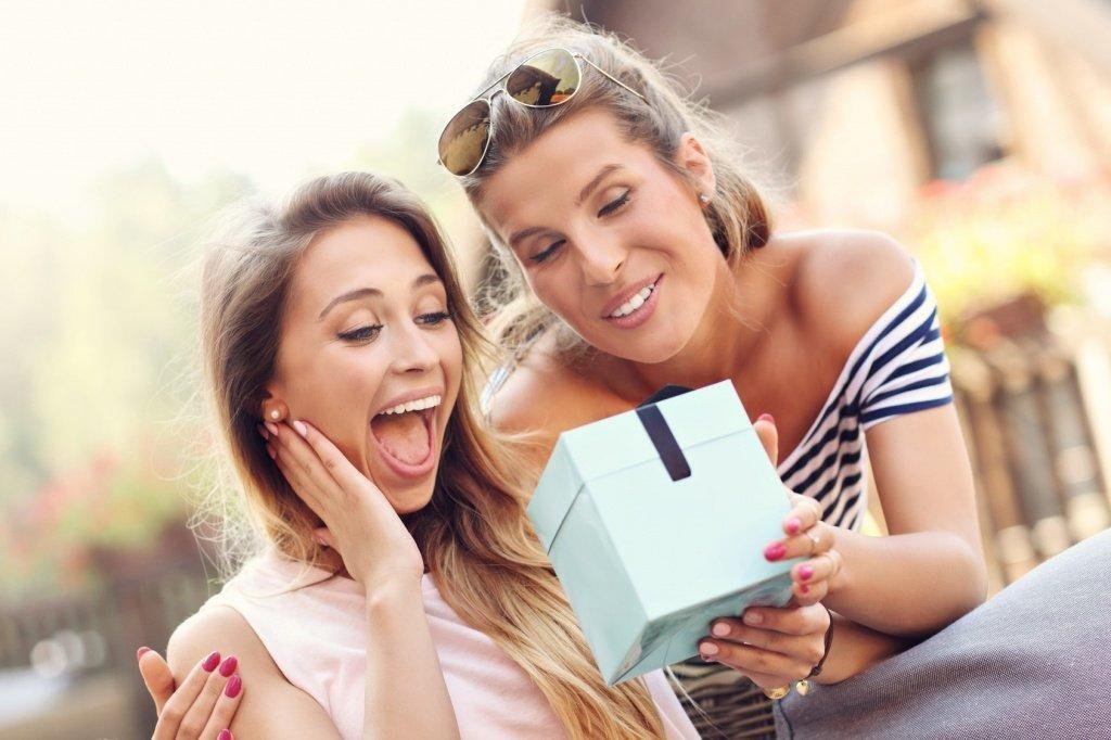 Топ-15 идей, что подарить подруге на 8 марта - фото 4 | 4Party