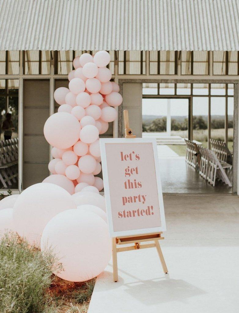 Воздушные шары на свадьбе: идеи оформления праздника - фото 1 | 4Party