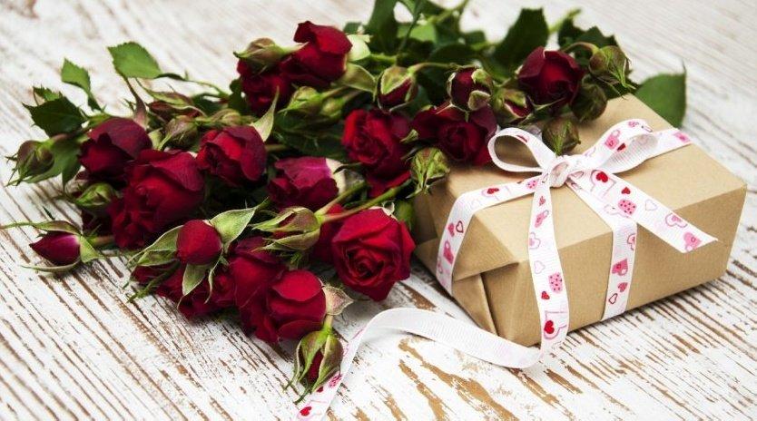 Что подарить женщине на юбилей: ТОП 15 идей  - фото 1 | 4Party