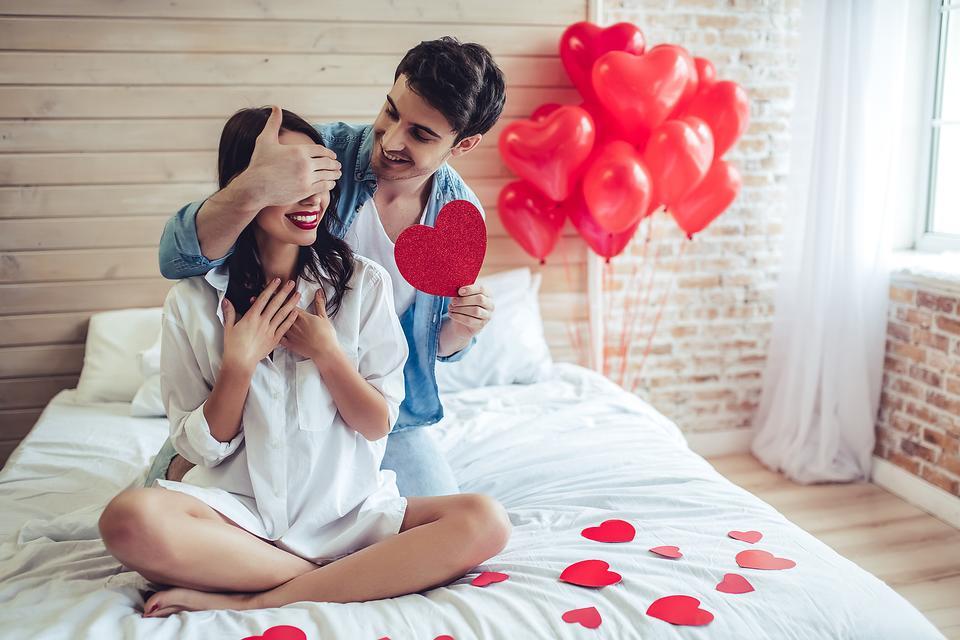 Как украсить дом, квартиру на День святого Валентина, идеи декора - фото 5 | 4Party