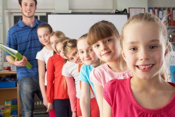 8 марта в школе: идеи оформления, подарков, сценарии - фото 2 | 4Party