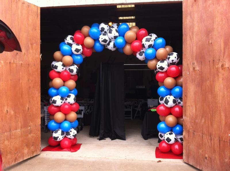 Оформление шарами вечеринки в ковбойском стиле - фото 5 | 4Party